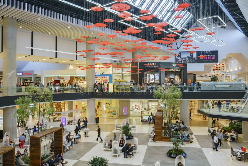 Punto di vista interno di Santa Anita Mall fotografia stock