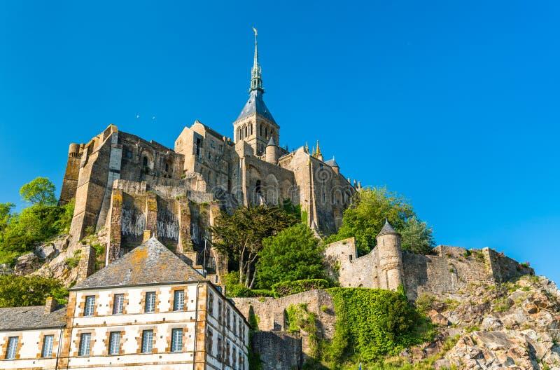 Punto di vista di Mont-San-Michel, un'abbazia famosa in Normandia, Francia immagine stock