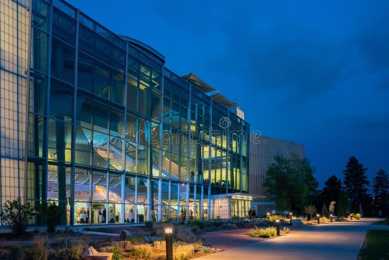 Punto di vista di notte di Denver Museum della natura e della scienza fotografia stock