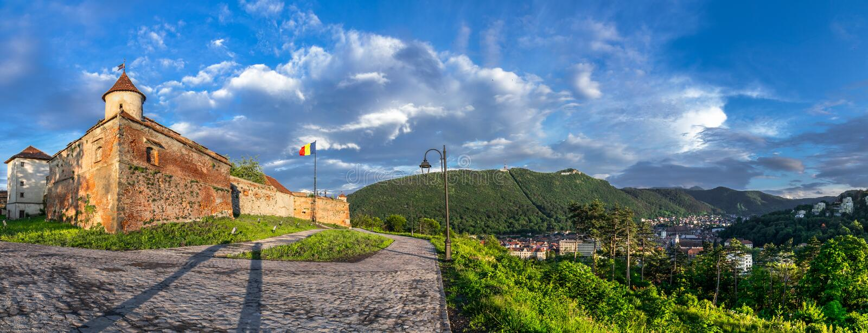 Punto di vista panoramico di Brasov (la Transilvania, Romania) fotografie stock libere da diritti