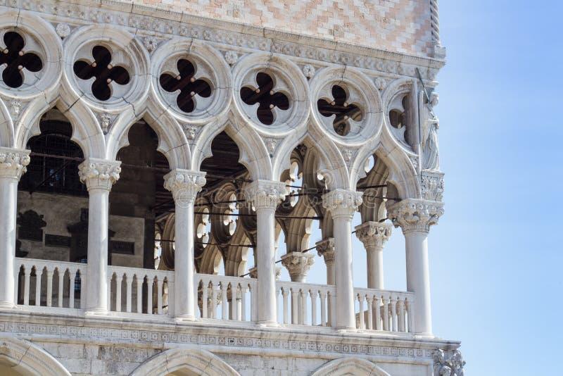 Punto di vista particolare di San Marco Square, Palazzo Ducale (Venezia Ital fotografia stock