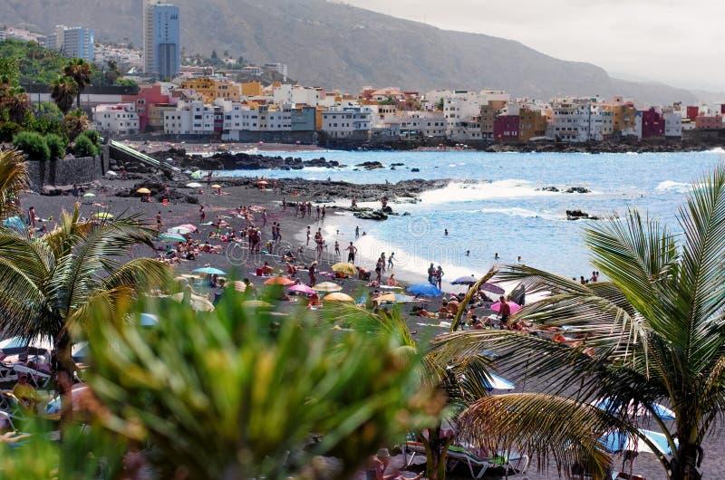 Punto di vista di Playa de Jardin a Puerto de la Cruz, Tenerife/Spagna, fotografia stock libera da diritti