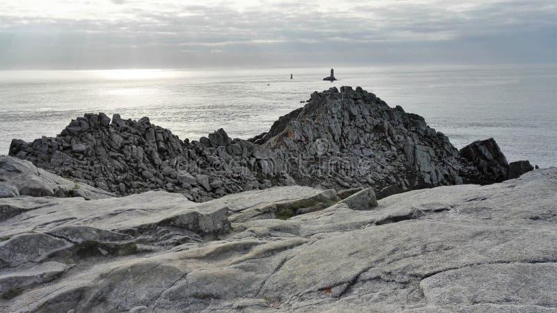 Punto di vista di Pointe du Raz in Finistère, Bretagna, Francia, Europa fotografia stock libera da diritti