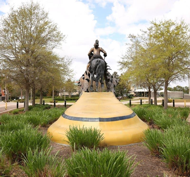 Punto di vista posteriore del cavaliere di carico all'università di Florida centrale fotografie stock