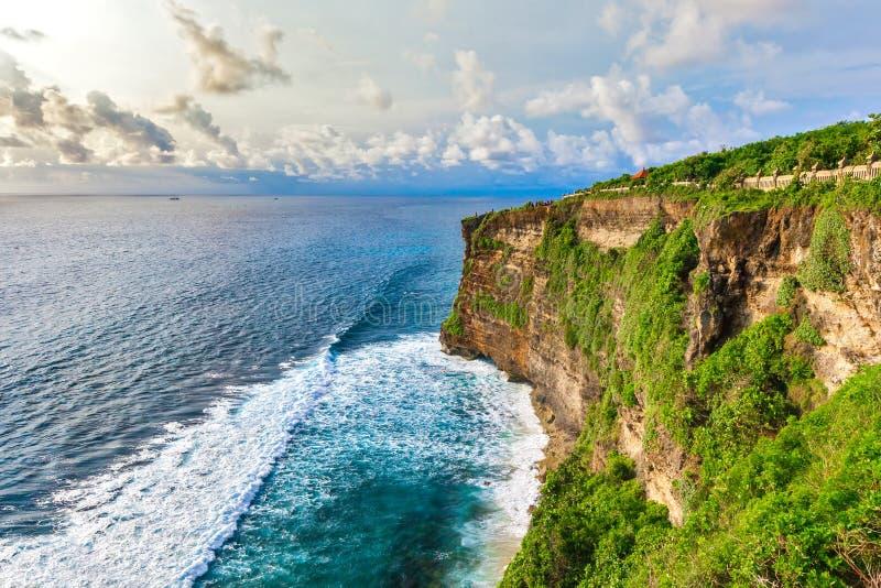 Punto di vista di Pura Uluwatu, struttura orizzontale, Bali, Indonesia immagini stock libere da diritti