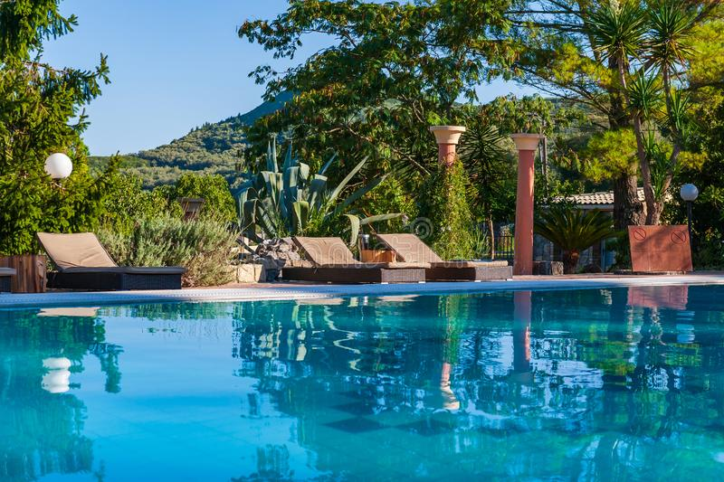 Punto di vista scenico della piscina immagini stock libere da diritti