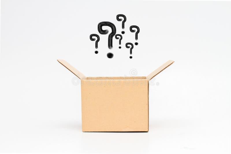 Punto interrogativo con la scatola fotografia stock libera da diritti
