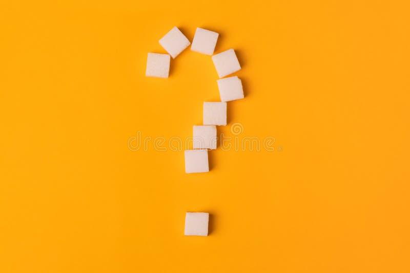 Punto interrogativo del cubo dello zucchero immagine stock libera da diritti