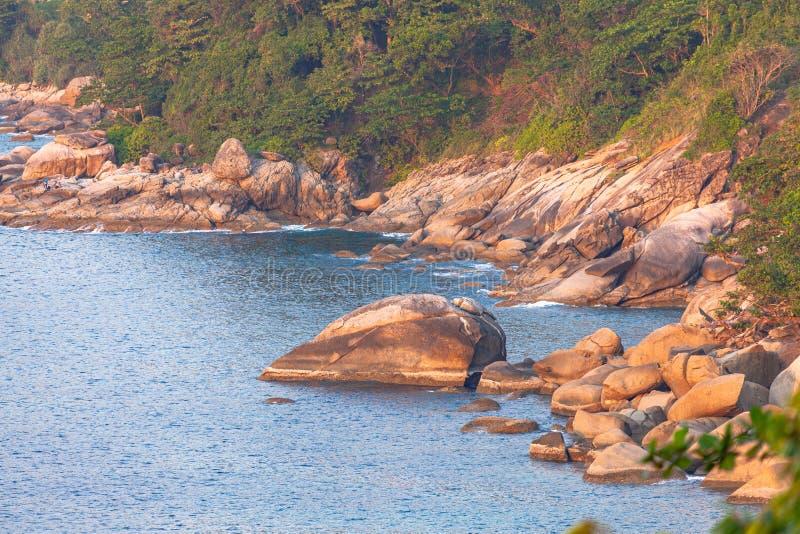 3 puntos de vista a la playa son los lugares más populares de Phuket imagenes de archivo