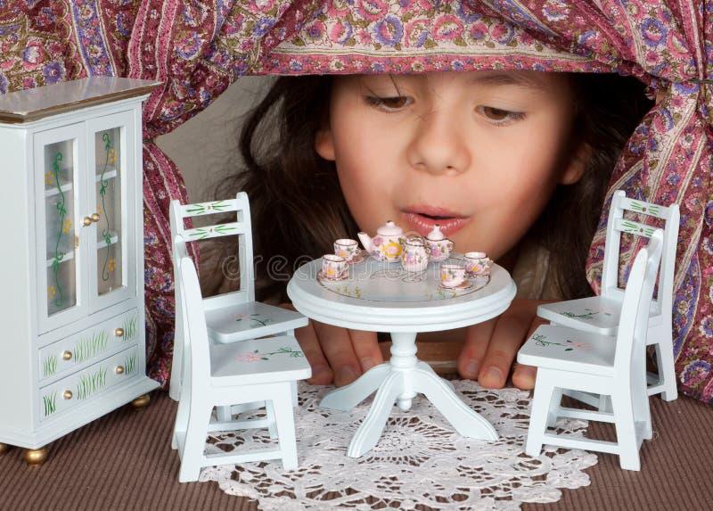 Puppenhauswohnzimmer stockbilder
