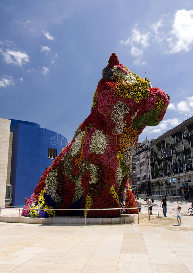 Download Puppy Sculpture, Guggenheim Bilbao Editorial Image - Image of curve, flowers: 20051255