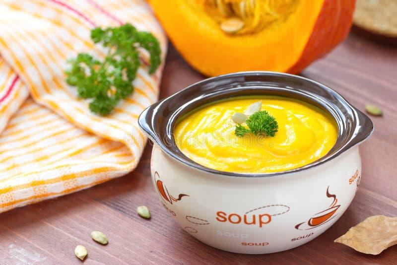 Puré de la sopa de la calabaza fotografía de archivo