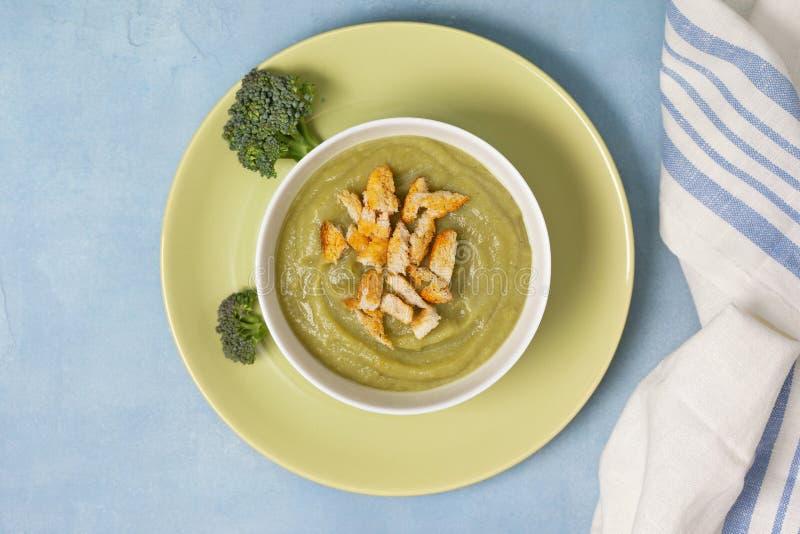 Purée de soupe à brocoli image stock