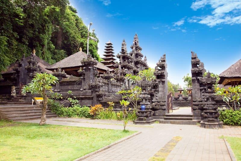 Pura Goa Lawah,东部巴厘岛。 印度尼西亚 免版税图库摄影