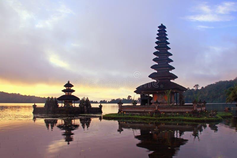 Pura Hindu em Bedugul Bali foto de stock royalty free