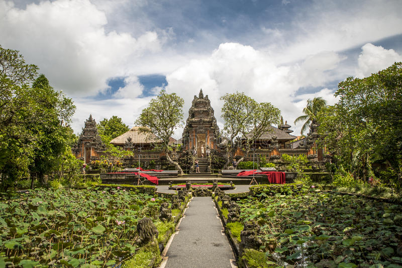 Pura Taman Saraswati-tempel stock foto