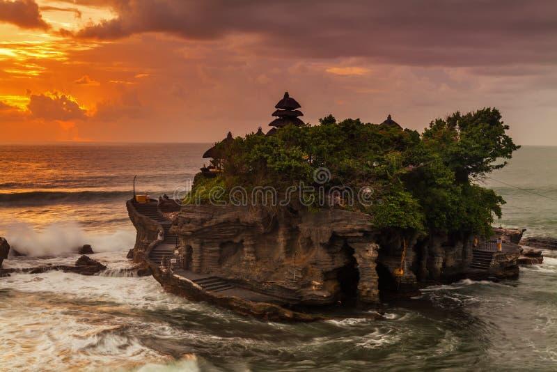 Pura Tanah udział przy zmierzchem, Bali zdjęcia royalty free