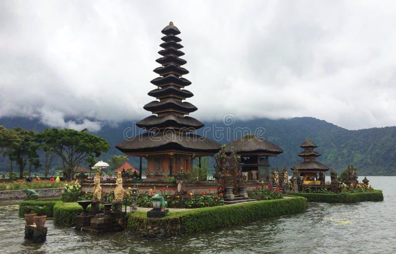Pura Ulan Dan Bratan, Bali, Indonesien lizenzfreies stockbild