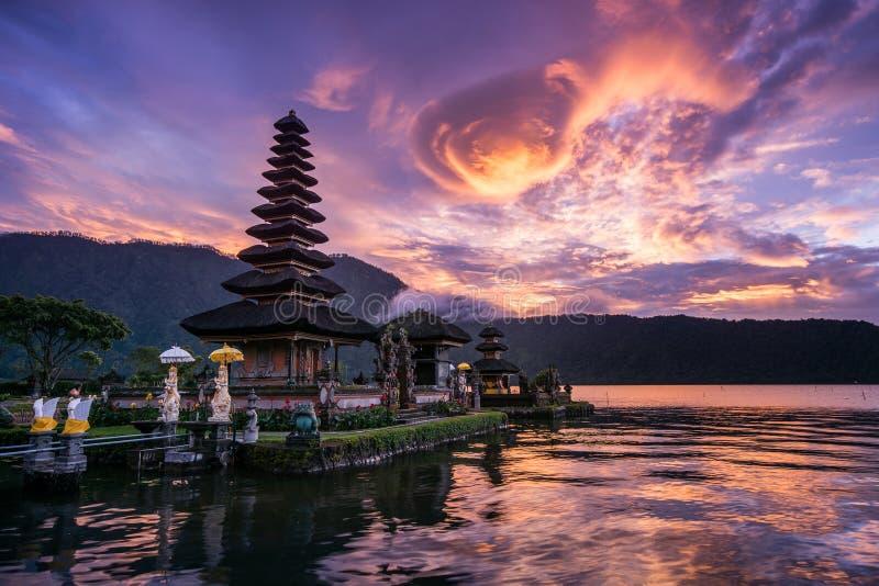 Pura Ulun在巴厘岛,印度尼西亚的Danu Bratan 免版税库存图片