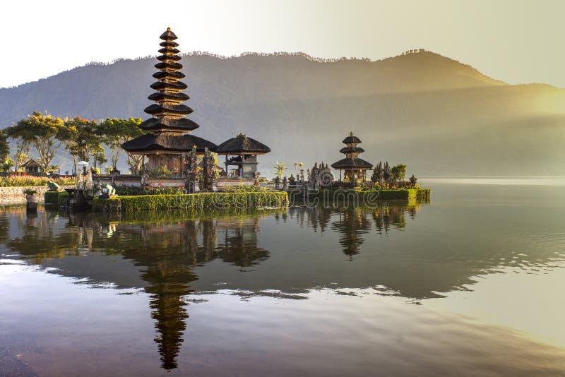 Pura Ulun Danu Bratan, индусский висок на озере Bratan, Бали, Indone стоковое изображение