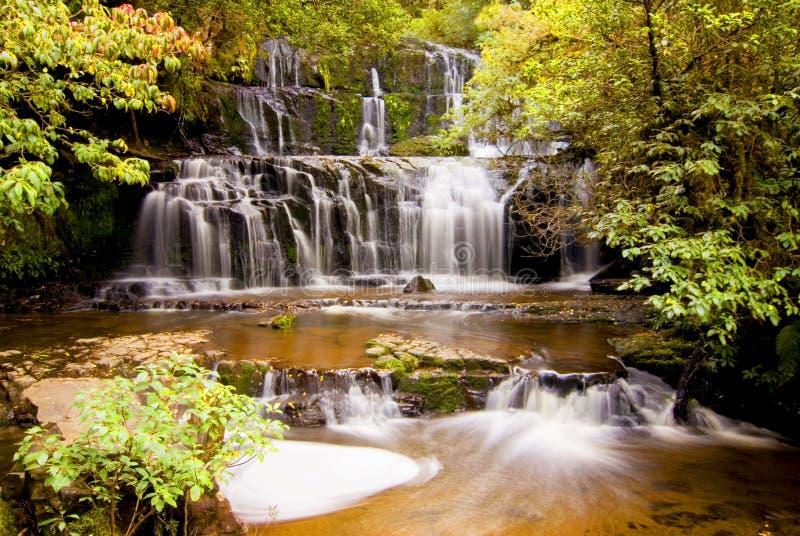 Purakaunui cascade la cascade, Catlins, île du sud, Nouvelle-Zélande photographie stock