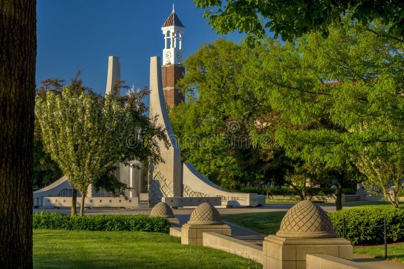 Purdue uniwersyteta dzwonu fontanna i zegar obrazy royalty free