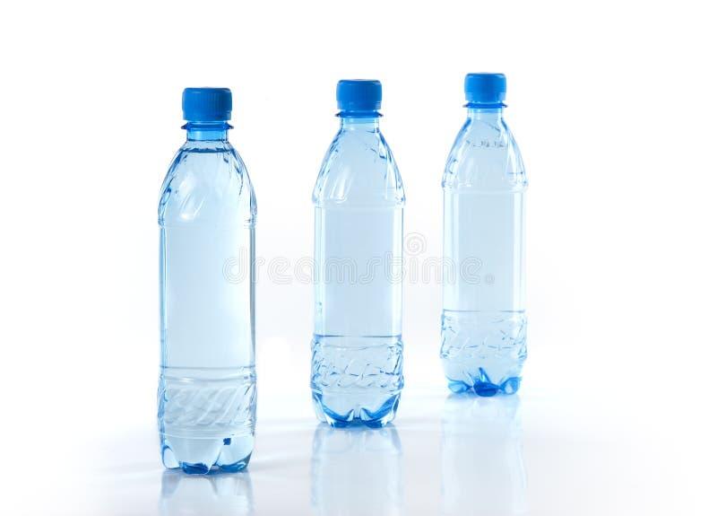 Purify a água bebendo fotografia de stock royalty free