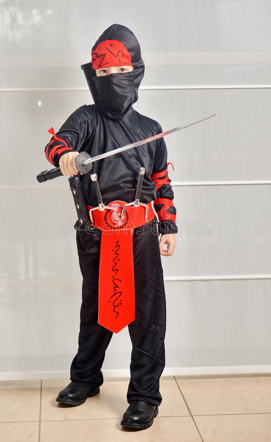 Purim (allhelgonaafton): Ninja Boy arkivbild