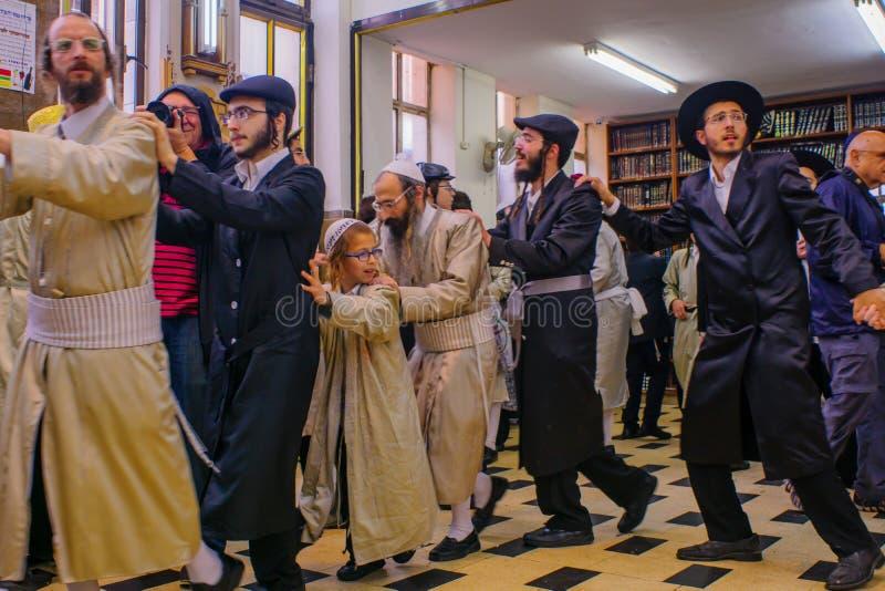Purim 2017 em Mea Shearim, Jerusalém imagem de stock