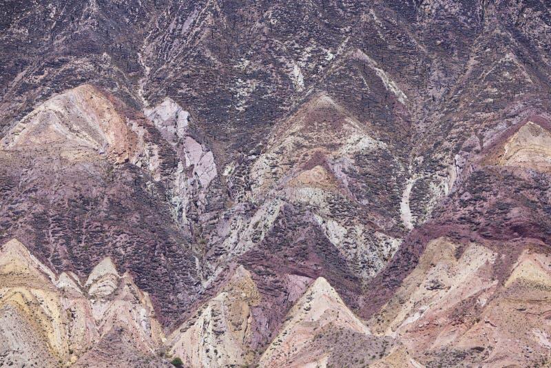 Purmamarca, красочные горы в Аргентине стоковое изображение rf
