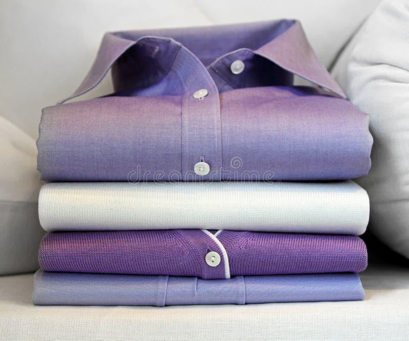 Purper overhemd stock afbeelding
