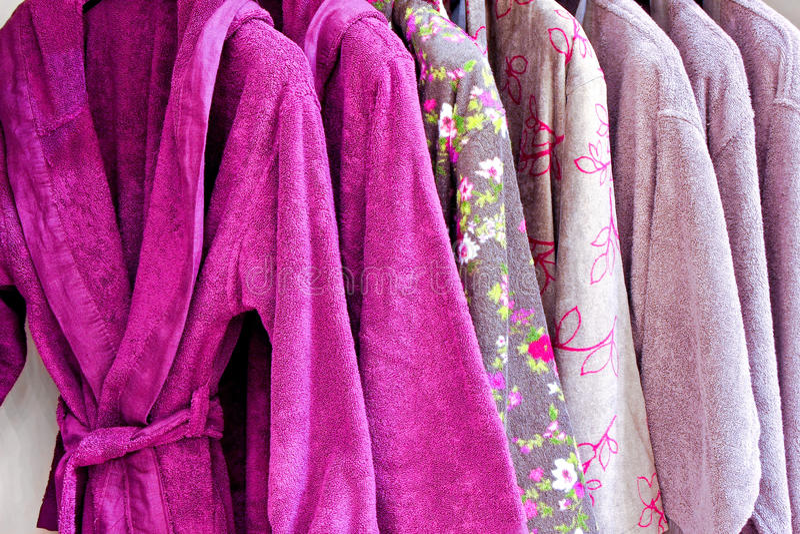 Purpere badjas stock afbeeldingen