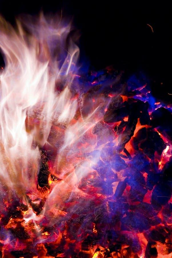 Purpere en Blauwe Vlammen van Brand royalty-vrije stock fotografie