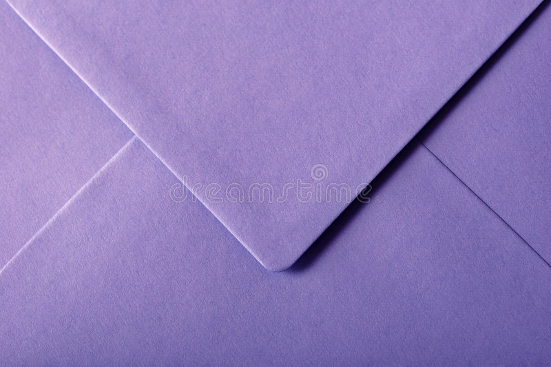 Purpere envelop royalty-vrije stock afbeelding