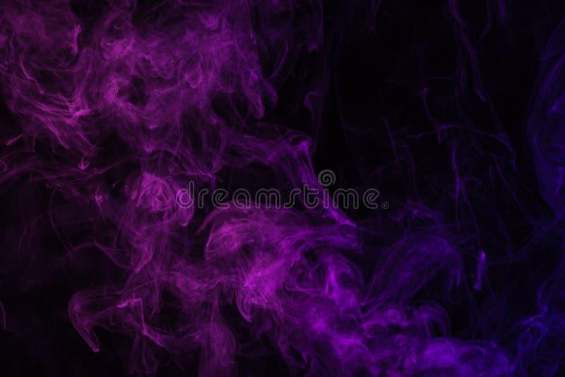 Purpere rook op zwarte royalty-vrije stock foto