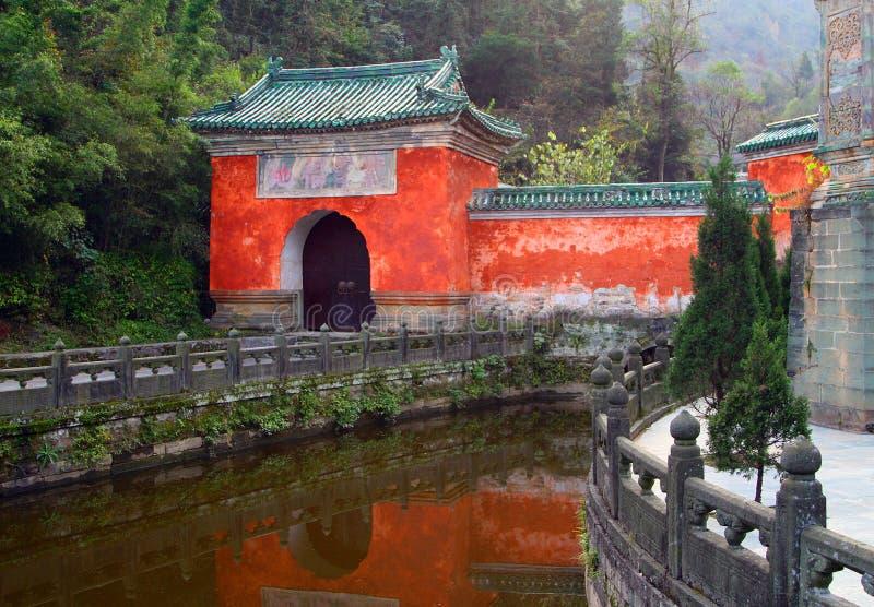 Purpere Wolkentempel bij Wudang-Bergen, Hubei, China royalty-vrije stock foto