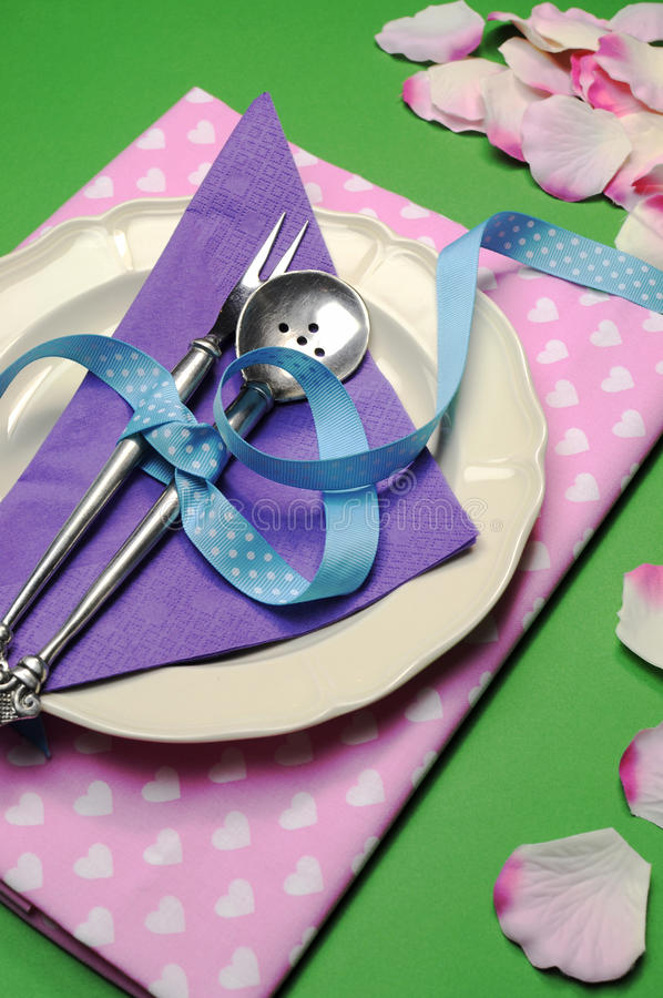 Purple & pink hearts dinner table place setting - vertical