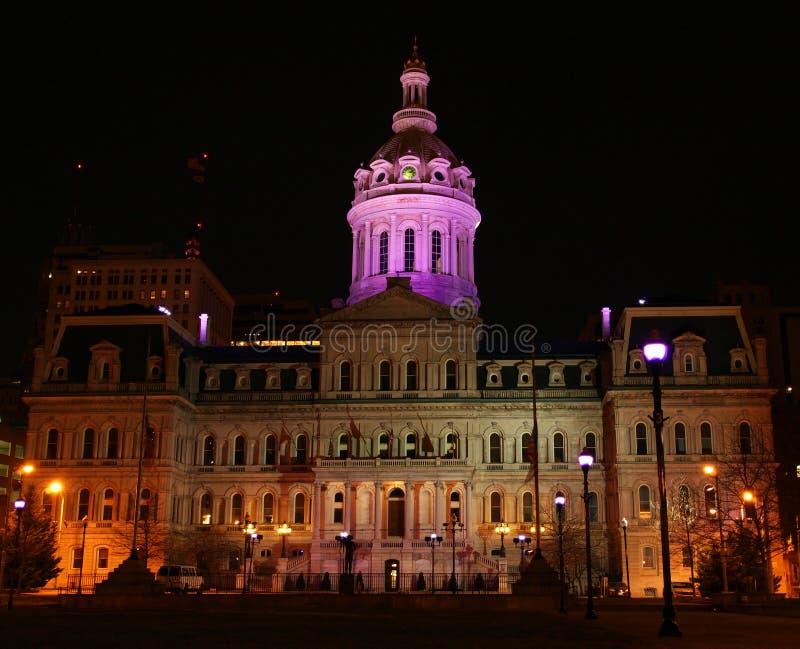 Purple van het Stadhuis van Baltimore stock foto