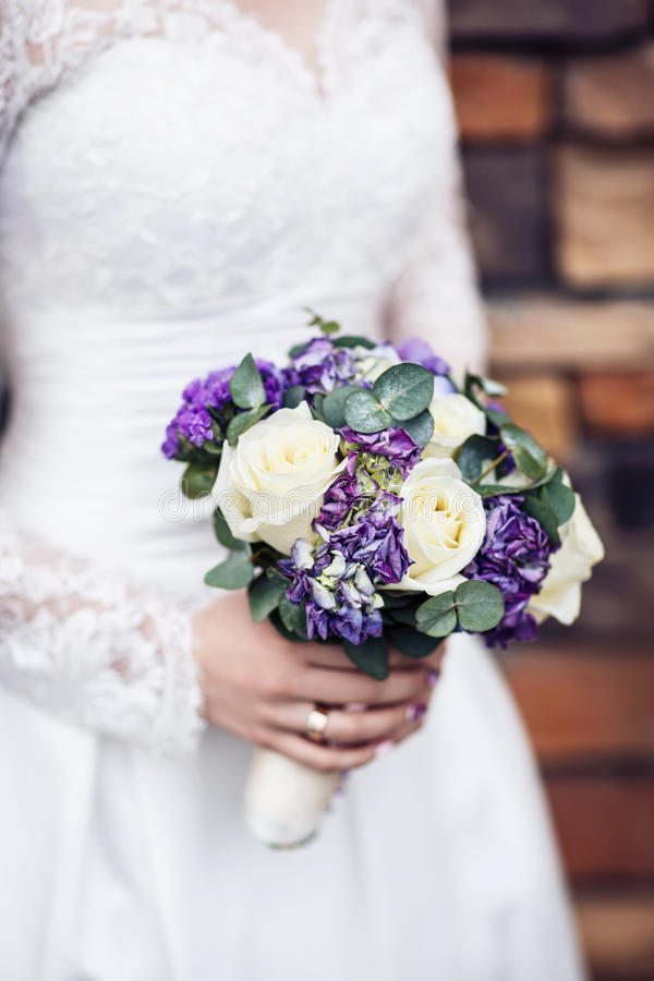 Free Purple Wedding Bouquet. Royalty Free Stock Photography - 92459707