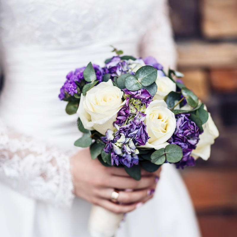 Free Purple Wedding Bouquet. Royalty Free Stock Images - 92956729
