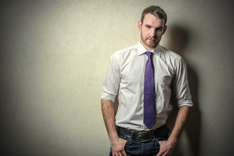 purpur tie fotografering för bildbyråer