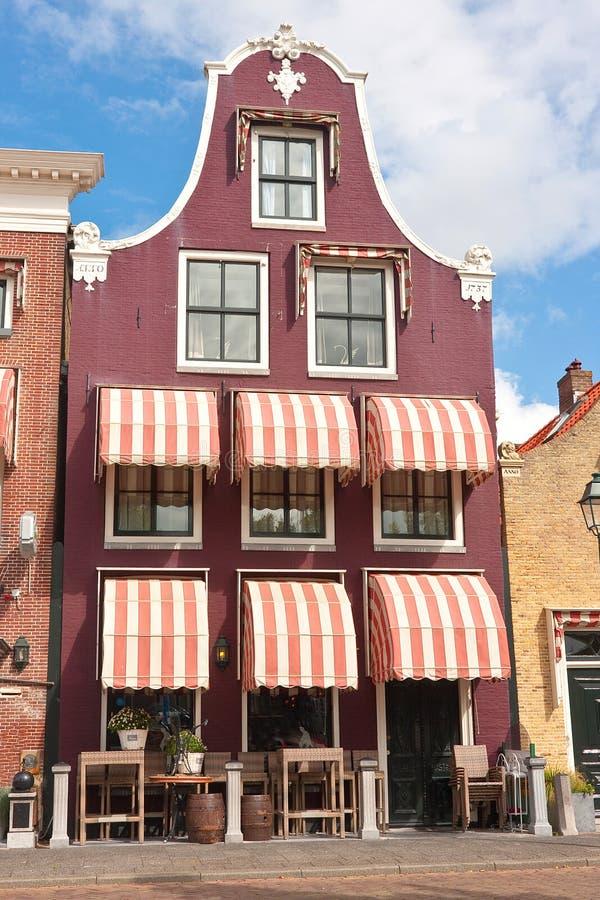Purpurfärgad holländsk gavel arkivbild
