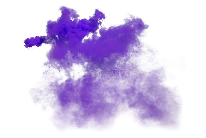 Purpurfärgad och violett rök som isoleras på vit bakgrund arkivfoto
