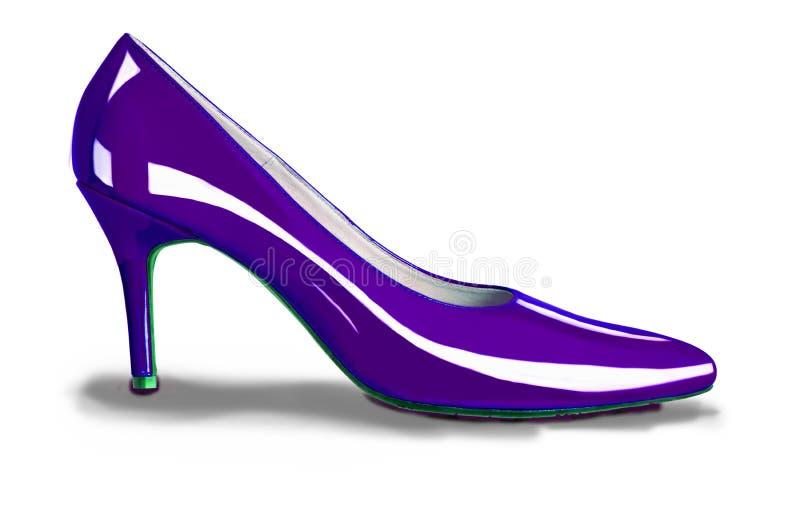 Purpurfärgade skor för höga häl royaltyfri foto