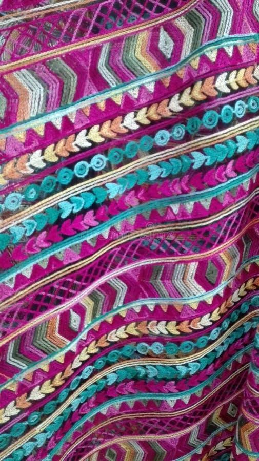 Purpurowy i błękitny tkaniny broderii tło obrazy stock