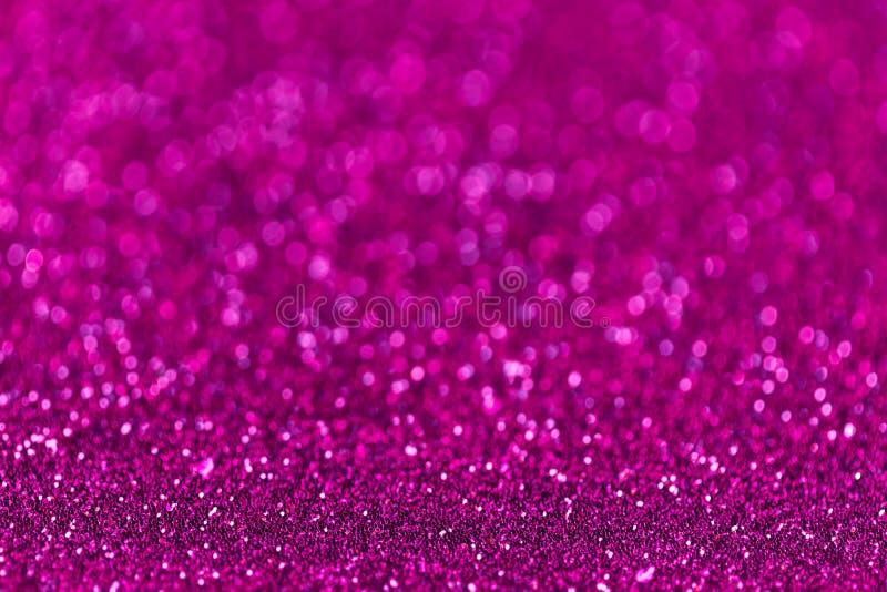 Purpurowy iskrzasty tło od małych cekinów, zbliżenie Genialny tło obrazy stock