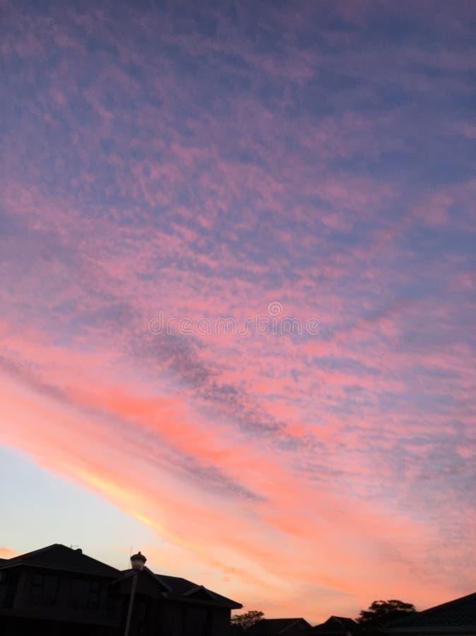 Purpurrote Himmel lizenzfreie stockbilder