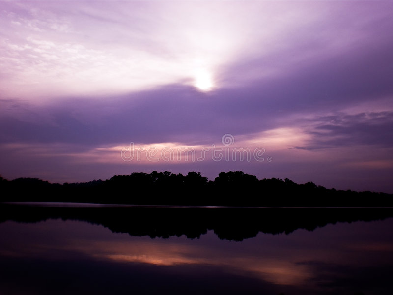 Purpurroter Himmel lizenzfreie stockfotos