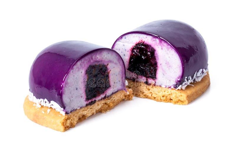 Purpurroter Nachtisch mit Blaubeermarmelade lizenzfreie stockfotos