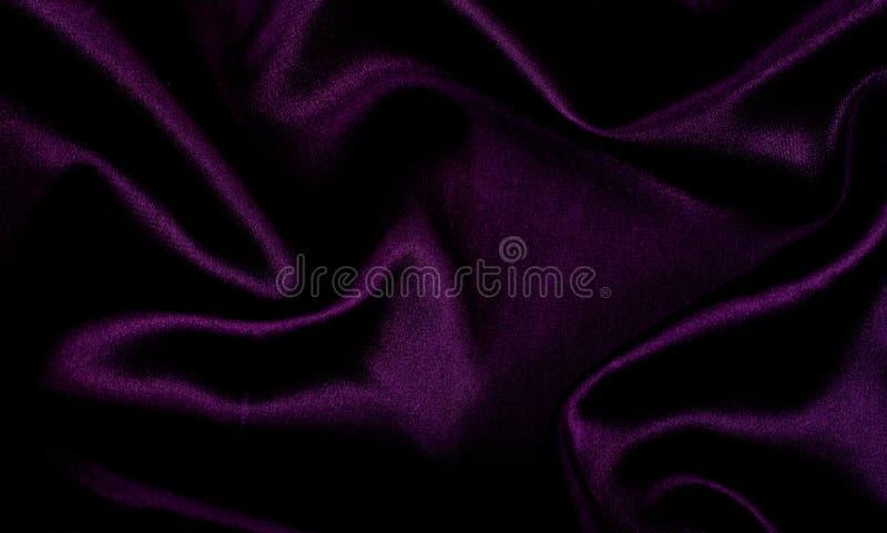 Purpurroter Satinhintergrund stockfotografie